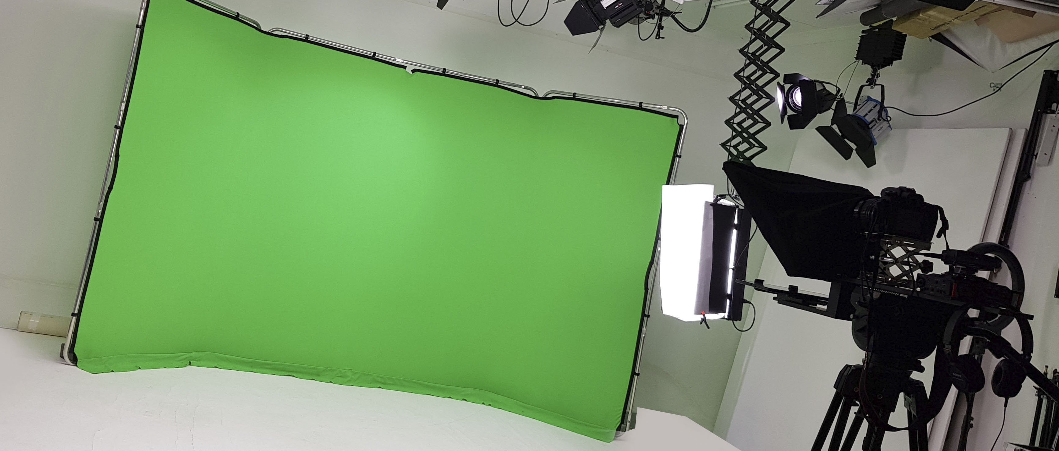 greenscreen-autocue-studio-hire-leeds
